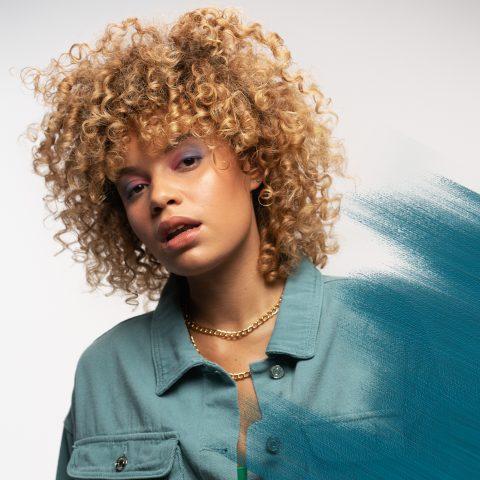 HOW TO GET: Voluminous Curls